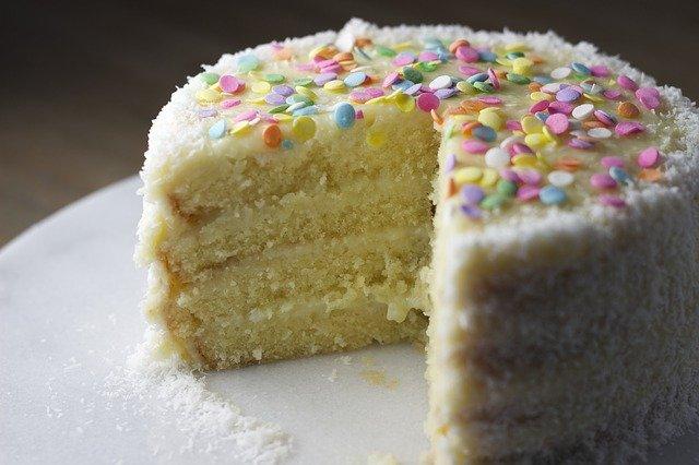 Cupcakes VS Cakes: The Great Debate sliced open cake
