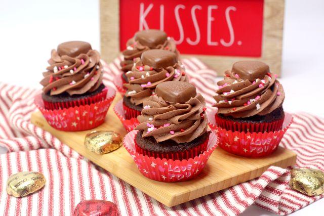 Amazing Chocolate Peanut Butter Heart Cupcakes horizontal shot