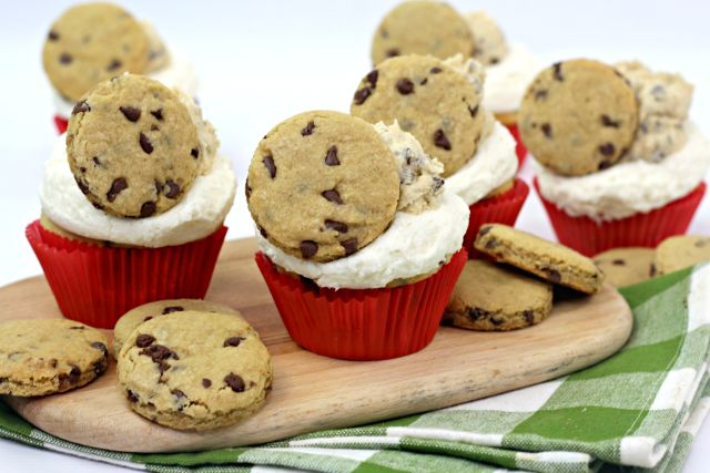 The Best Milk and Cookies Cupcakes Recipe ready to eat