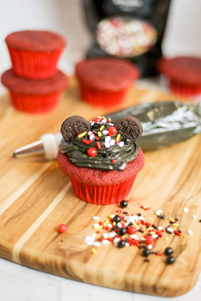 Mickey Mouse Cupcakes Design