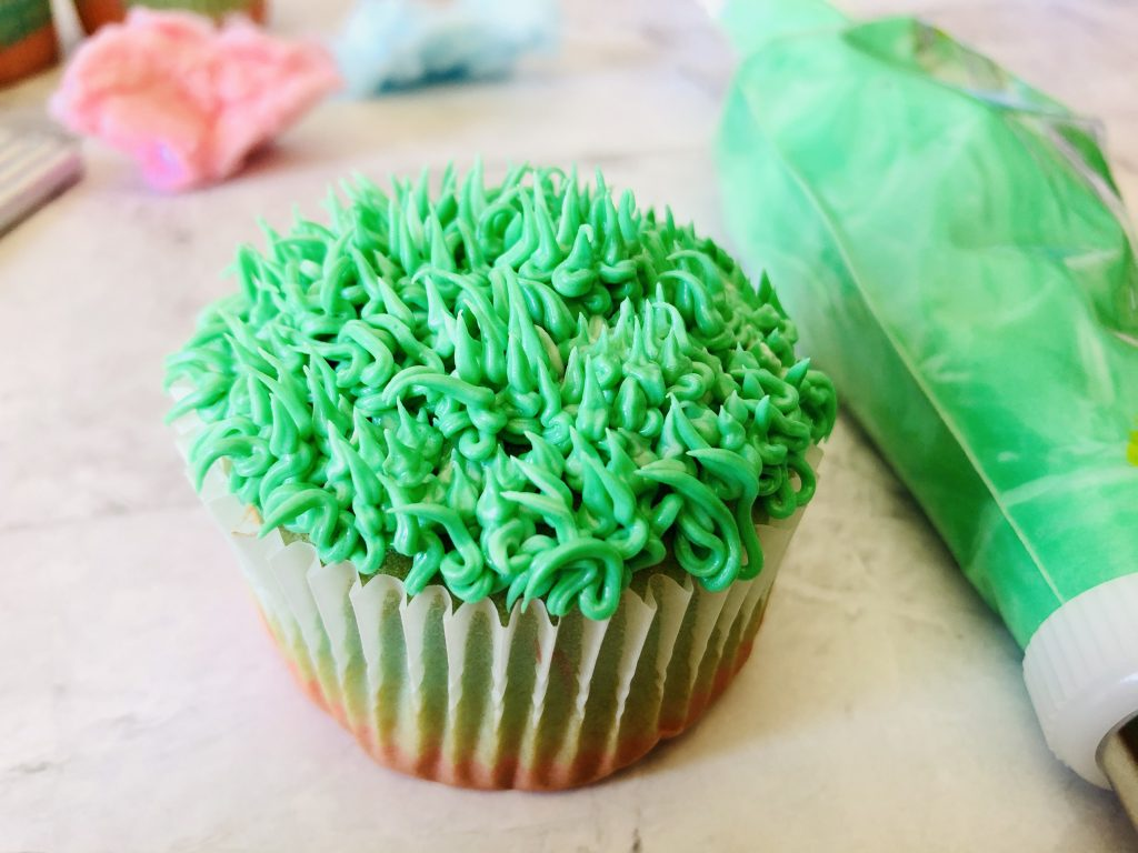 How to make cotton candy cupcakes:
